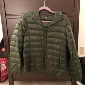 Hooded packable ultra light down Uniqlo jacket